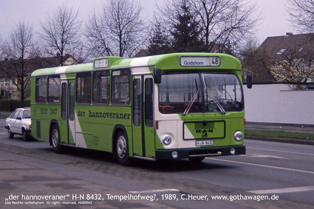 www.gothawagen.de/dso/kH89042-BusH-N8432-Tempelhofweg-1989.jpg